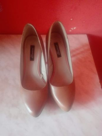 Buty Reserved 36