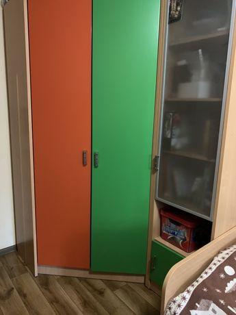 Мебель в детскую/подростковую комнату