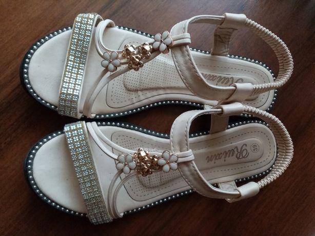 Босоножки, сандалии 39 размер