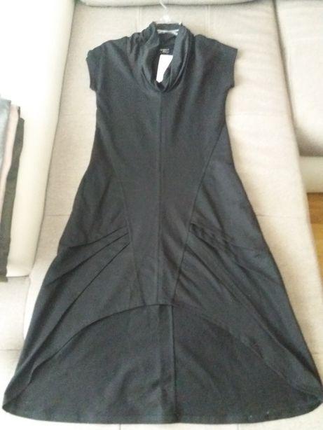 Czarna sukienka firmy By o la la