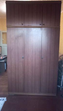 Шкаф с антресолей
