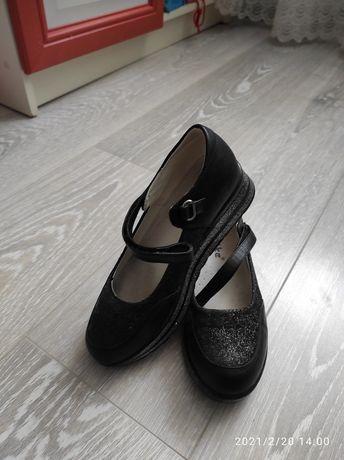 Продаются кожаные туфли