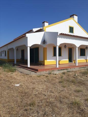 Quinta em Vila Nova baronia  (Alvito)