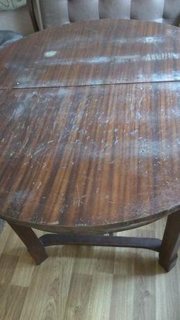 большой деревянный овальный антикварный стол