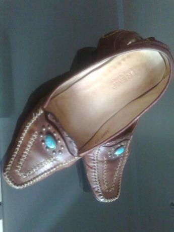 Sapatos senhora em pele castanhos marca italiana TREMP, cosidos à mão