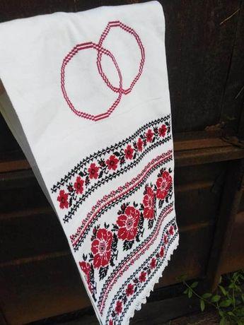 Вишитий хрестиком весільний рушник