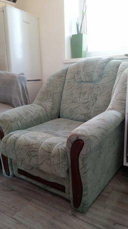 Продам два спальных кресла б/у