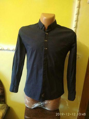 Мужские рубашки M/L, турецкие.
