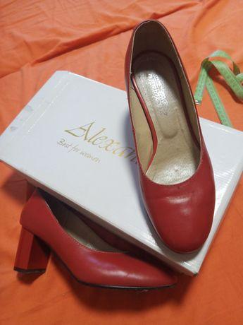 Туфли кожаные фирменные женские Alexandra