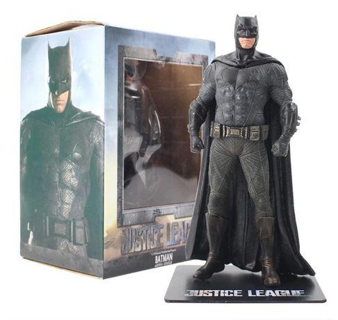 Детализированная фигурка Бетмена. Игрушка Batman. DC Comics