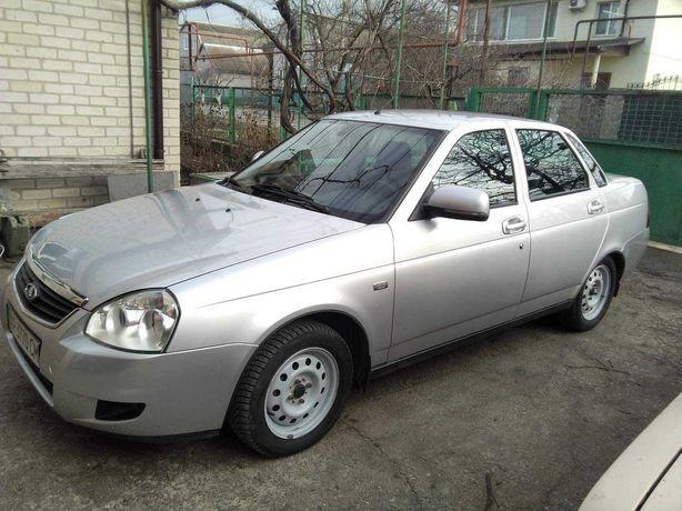 Продам  автомобіль 2013 року у гарному стані