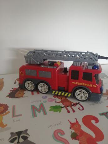Straż pożarna z psikawką dickie psika wodą