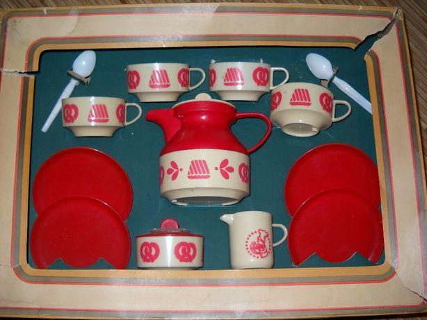 детская пластиковая посудка из ГДР