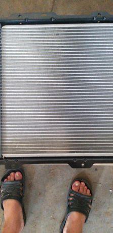 Продам новенький радиатор на митсубиси