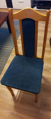 Cztery drewniane krzesła wymienię!