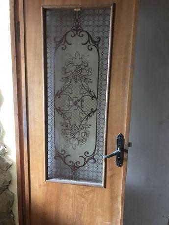 Двері деревяні з вітражами міжкімнатні