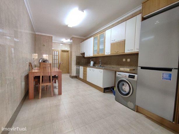 Apartamento de 3 assoalhadas para arrendamento em Urbisado