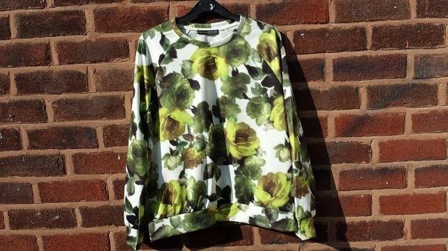 Śliska bluza w kwiaty 34