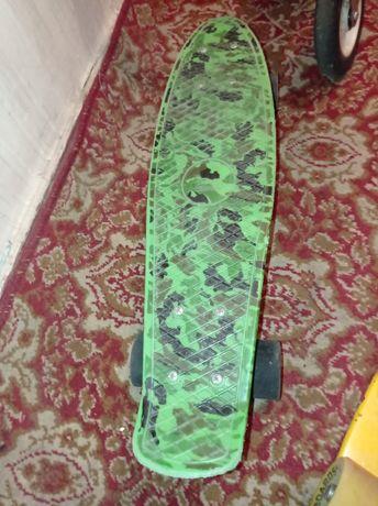 Продам скейт (пенни борд)
