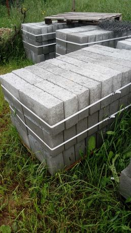 Bloczek betonowy. Bloczki betonowe fundamentowe