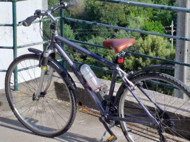 Bicicleta roda 28, todo terreno