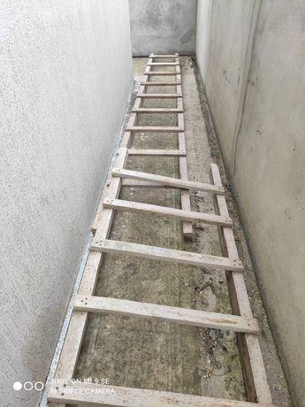 Продам деревянные лестницы, козлы, доска б/у,  район Червонный Хутор