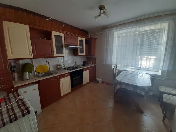 Продам трьохкімнатну квартиру в м. Ківерці