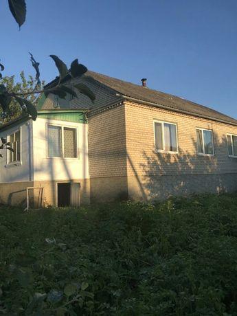 Продається будинок в смт.Муровані Курилівці