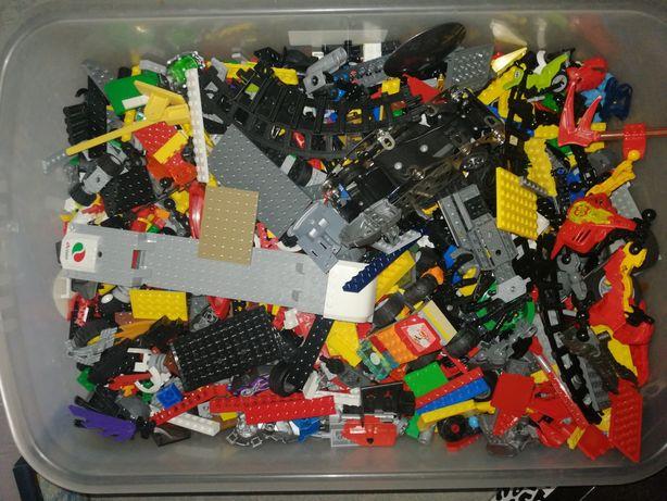 Wielki zestaw LEGO, pełna kuweta 30x40cm plus kuweta na kółkach