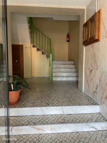 Excelente Apartamento T3 em muito bom estado - Quinta do Pinheiro