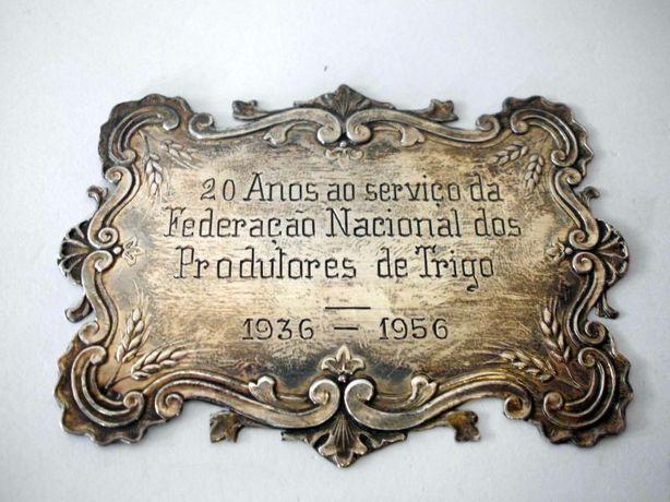 placa comemorativa em prata Fed. Nacional dos Produtores de Trigo 1956
