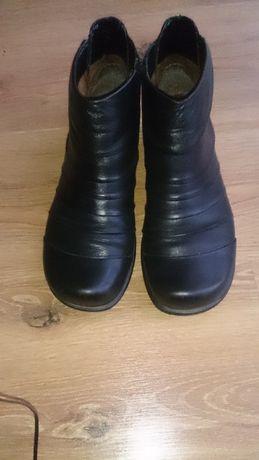 Buty, botki czarne skórzane, Marc