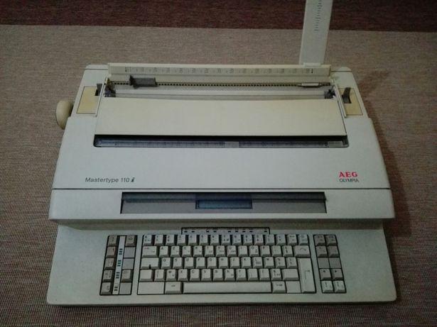 Máquina de escrever eléctrica AEG