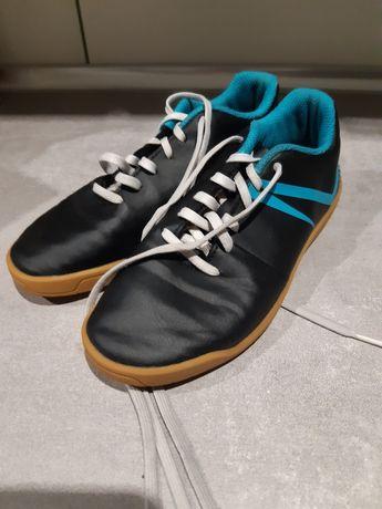 Buty halówki chłopięce Kipsta 32