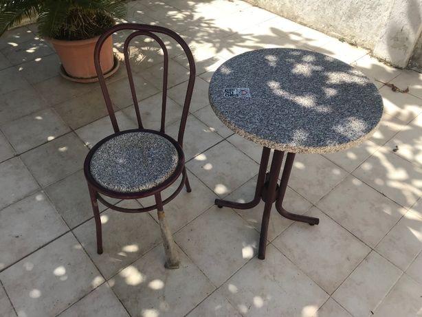 4 Mesas + 16 Cadeiras Novas (pastelaria/restaurante) Marca SM France