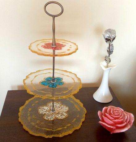 Dekoracyjna patera na ciasto 3 poziomy Złoto Cekinowe kwiaty Uchwyt