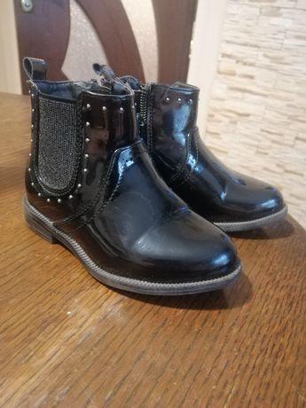 Стильні черевички для донечки