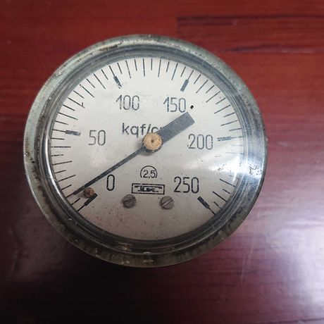 Манометр МТП - 4 М от 0 до 250 kgf /sm 2