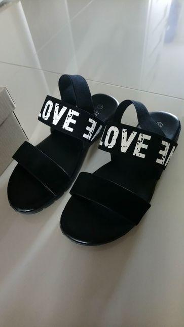 Sandały - gumki r.38