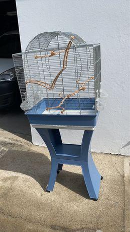 Gaiola nova, propria para aves domesticadas
