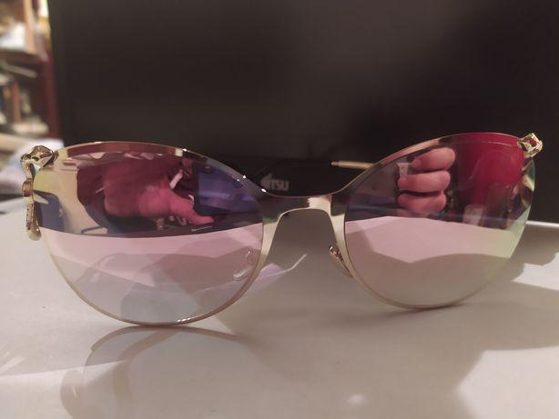 Солнцезащитные розовые очки