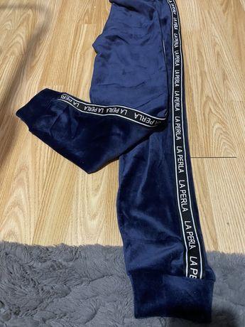 Granatowe welurowe spodnie