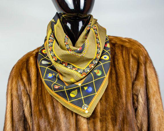 Фирменный шелковый платок Faberge.Большой интересный платочек.Роуль.