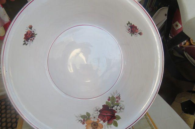 2 pratos antigos marca sacavém.