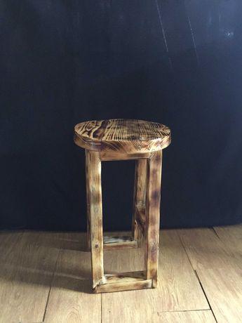 Banquinho em madeira de paletes