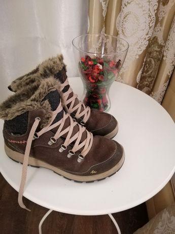 Зимове взуття. Фірмові (Declaton) натуральний замш. 39розмір.