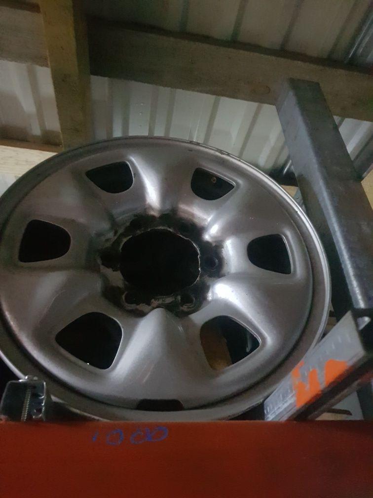 Felgi Stalowe Toyota Hilux R16 6x139.7
