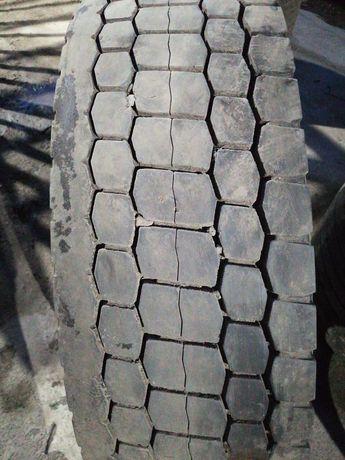 Грузовые шины бу 295/80R22,5 LONG MARCH .