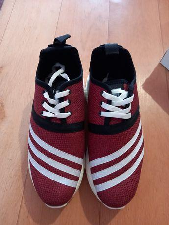 Кроссовки для женщин и мужчин