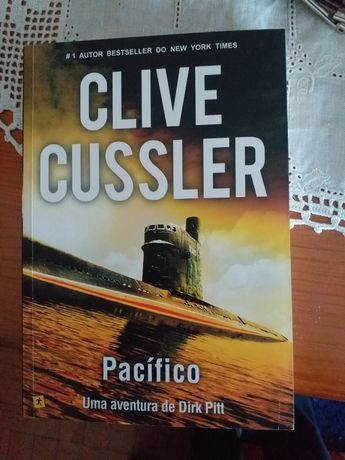 "Livro ""Pacífico"" (Clive Cussler)"
